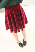 Pleated High Waist Velvet Skirt