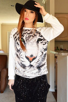 Tiger Print Rivets Embellished Sweatshirt