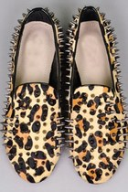 Spikes Detailed Round-toe Horsehair Flats