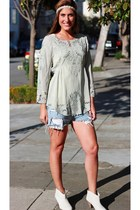 baraschi blouse - faux snakeskin 67 Collection boots - vintage Levis shorts