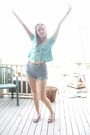 Blue-free-people-top-blue-abercrombie-fitch-shorts-purple-herbergers-brace