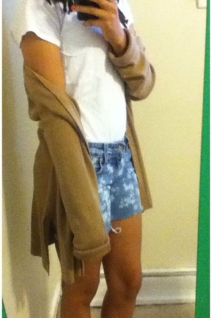 mustard moms cardigan - periwinkle thrifted shorts - white thrifted t-shirt