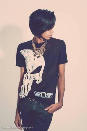 black Dmarkas t-shirt