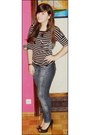 Blanco-jeans-zara-t-shirt-stradivarius-heels