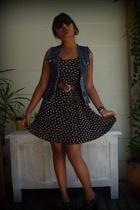 vintage dress - Secondhand belt - IVplay vest - Sole boots - Secondhand sunglass