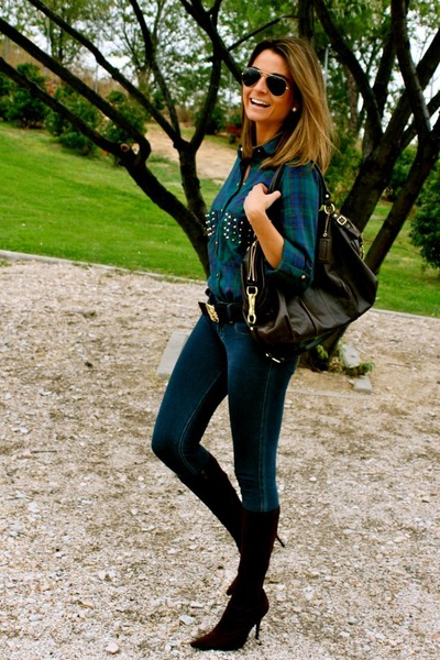 navy Zara blouse - dark brown Pilar Burgos boots - navy hollister jeans