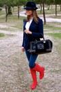 Ruby-red-pilar-burgos-boots-navy-hollister-jeans-navy-denny-rose-hat