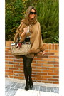 Camel-barami-cape-camel-gucci-bag-black-zara-shorts-black-nine-west-heels