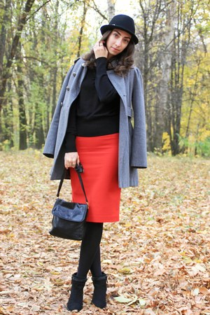 red Zara skirt