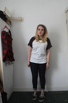 crimson asos t-shirt