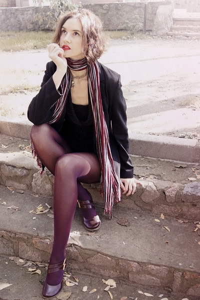 black blazer - maroon tights - maroon scarf - black top