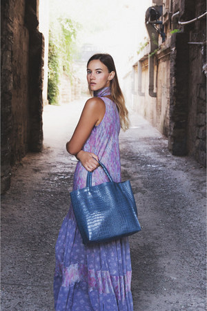 violet dress - blue bag