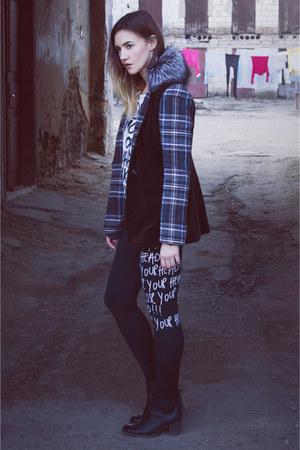 black boots - dark brown checkered coat - off white sweater - black leggings
