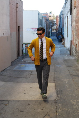 mustard letterman vintage cardigan - green oxfords Steve Madden shoes