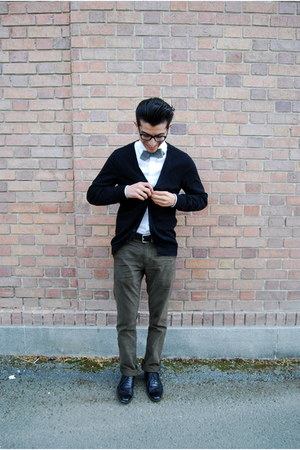 J Crew tie - black Steve Madden shoes - white Express shirt - black H&amp;M cardigan