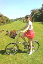 red swished skirt - gray from Spain t-shirt - beige recykeabike - brown from Spa
