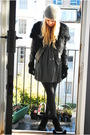 Black-diy-jacket-black-ash-boots-green-zara-dress-green-vintage-from-wolf-