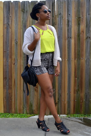 dark gray Local store shorts - lime green PERSUNMALL top