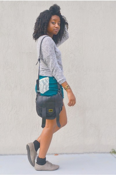 black cotton on bag - teal Goodwill shorts - heather gray Ross top