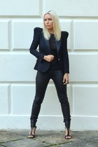 black Helmut Lang leggings - black Balmain blazer - black Guess heels