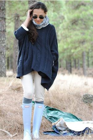 light blue Hunter boots - beige Primark leggings - navy pull&bear cape
