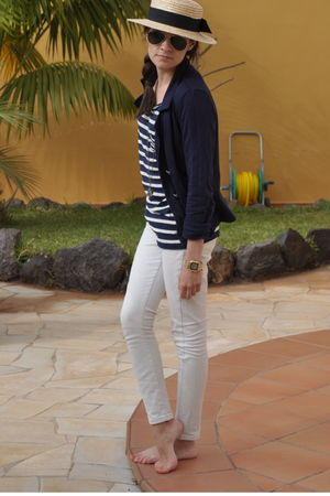 blue Primark blazer - white pull&bear blouse - beige Primark jeans - beige Oysho