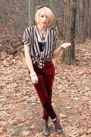 ruby red velvet Nasty Gal leggings - dark brown tie-dyed street market scarf