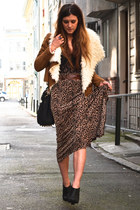brown faux shearling Nasty Gal jacket - black booties Deena & Ozzy shoes