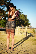 black lace bra top - black floppy Deena & Ozzy hat - black crochet tunic shirt
