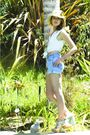 Blue-levis-shorts-blue-zara-top-green-topshop-shoes-beige-lf-hat