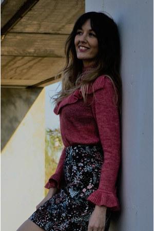 hot pink amitie sweater - black H&M skirt