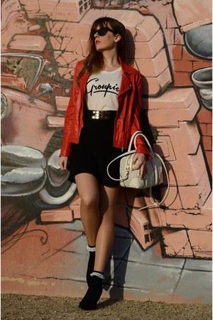 off white Stradivarius t-shirt - ruby red Stradivarius jacket - black Zara skirt