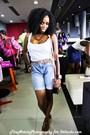 Primark-t-shirt-vintage-levi-strauss-shorts-vintage-bag-vintage-accessorie