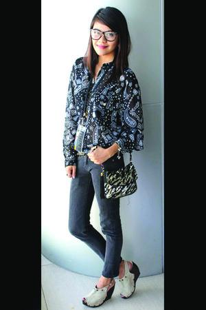 Accessorize bag - Levis pants - Esprit blouse