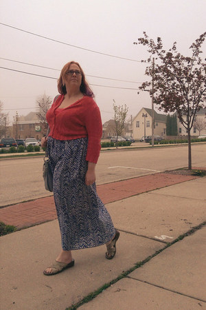 coral thrifted sweater - blue pure energy skirt - periwinkle naturalizer sandals