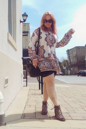 white Make Me Chic dress - black kensie bag
