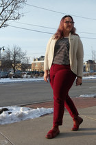 ruby red Spring Step boots - white Bright and Beautiful top