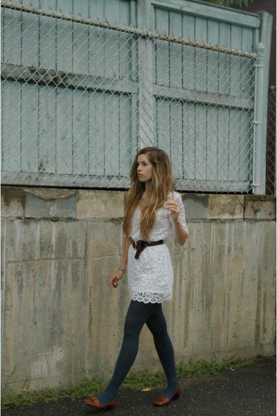 white modcloth dress - brown vintage belt - brown vintage shoes - blue Urban Out
