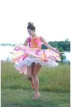 hot pink Dear Golden Vintage dress - tan Ruche shorts