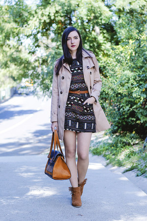 aztec print Sheinside dress - trench PERSUNMALL coat - leather Stradivarius bag