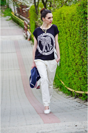 black H&amp;M t-shirt - white H&amp;M wedges