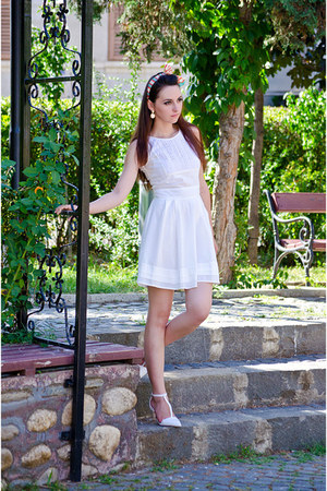 white Kristines Collection dress