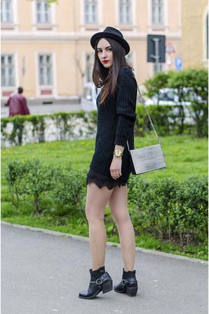 black H&M boots - black H&M hat - black fishbone sweater - H&M bag
