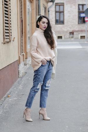 neutral oversized Zara sweater - boyfriend OASAP coat