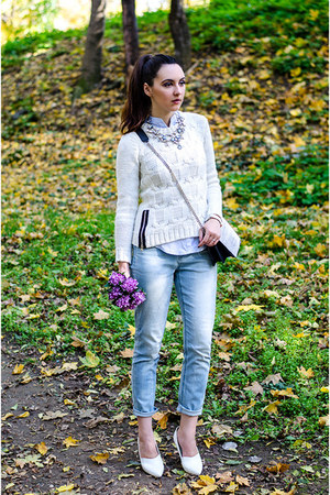 white H&M sweater - Orsay jeans - white H&M wedges - Zara necklace