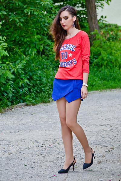 blue Zara shorts - fishbone sweatshirt