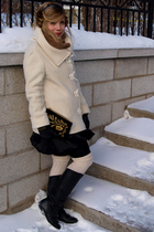 white le chateau jacket - brown vintage fur scarf - black La Maison Simons glove