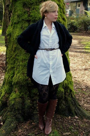 black Urban Behaviour cardigan - white Djangos Closet blouse - black Northland t