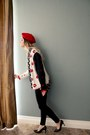 Red-beret-hat-lip-sweater-blouse-pumps-nine-west-heels