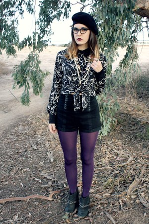 chain ankle boots - beret hat - purple tights - high waisted Bebe shorts